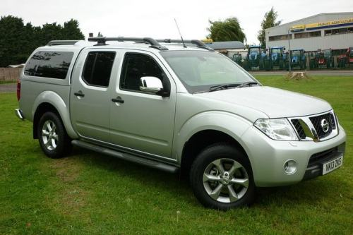 Nissan Navara 2.5TD SPECIAL EDITION Double Cab Pick-up Diesel Silver