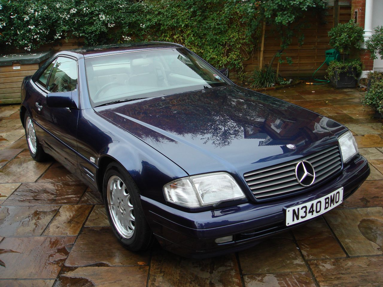 used mercedes benz sl class 320 for sale in london london rupert goalen. Black Bedroom Furniture Sets. Home Design Ideas