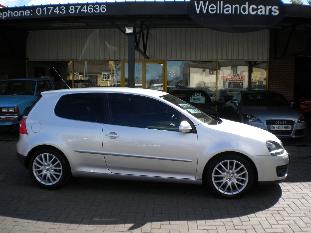 Volkswagen Golf 2.0 GT Sport TDI 3dr Manual,Leather, A/C, 17`Alloys,15 MONTH PARTS AND LABOUR WARRANTY INCLUDED Hatchback Diesel Silver at Welland Cars Shrewsbury