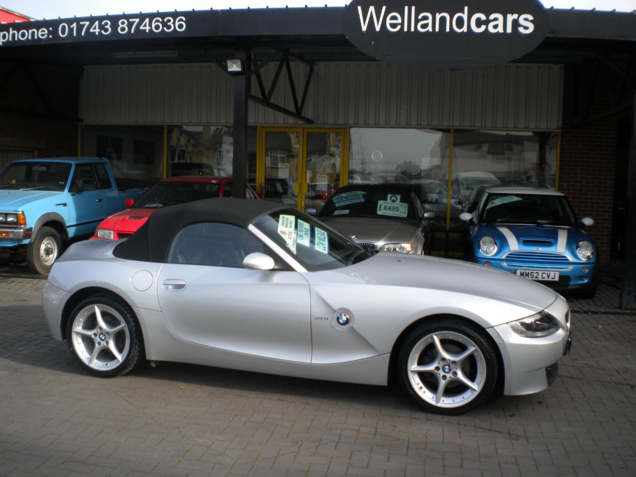 BMW Z4 2.0i SE 2dr 6 Speed Manual,F/S/H,Leather,Low Miles # 15 MONTH WARRANTY INCLUDED Convertible Petrol Silver at Welland Cars Shrewsbury