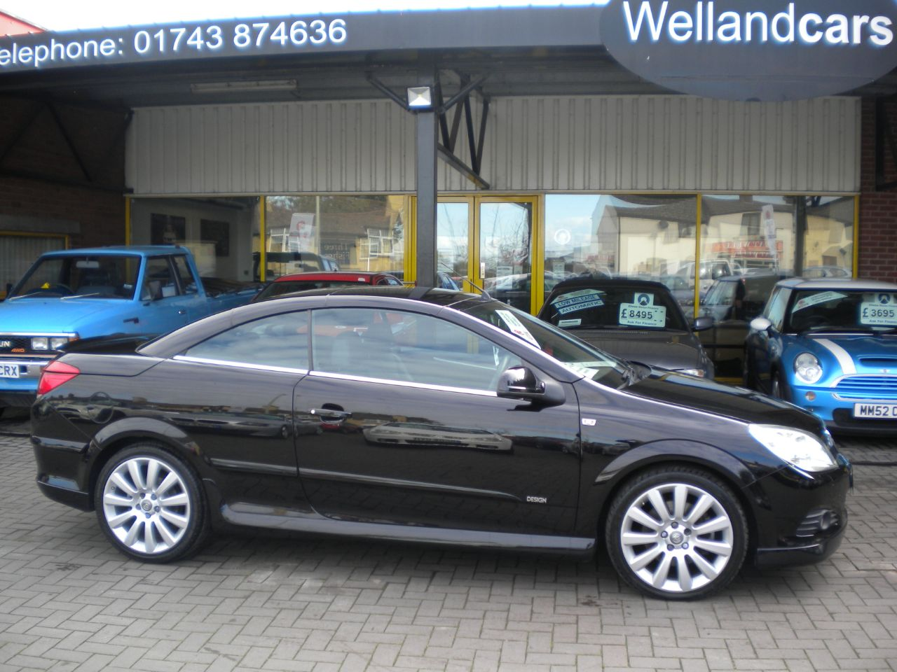 Vauxhall Astra 1.9 CDTi 16V Design 2dr, Manual Diesel,F/S/H,Leather,15 MONTH PARTS AND LABOUR WARRANTY INCLUDED Convertible Diesel Metallic Sapphire Black at Welland Cars Shrewsbury