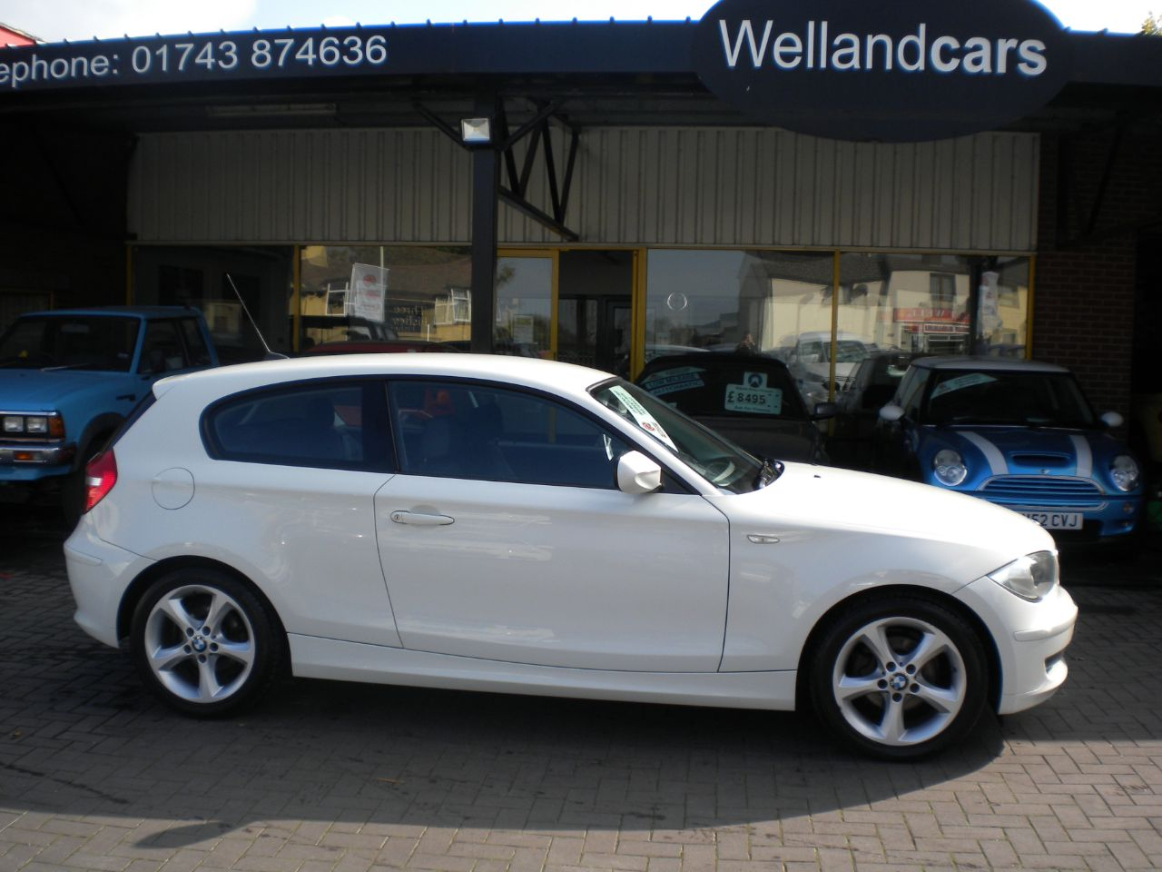 BMW 1 Series 2.0 116d Sport 3dr F/S/H, 17`Alloys,Cheap To Tax,# 15 MONTH WARRANTY INCLUDED Hatchback Diesel White at Welland Cars Shrewsbury