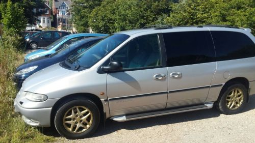 Chrysler Voyager 3.3 GRAND LX MPV PETROL GOLD