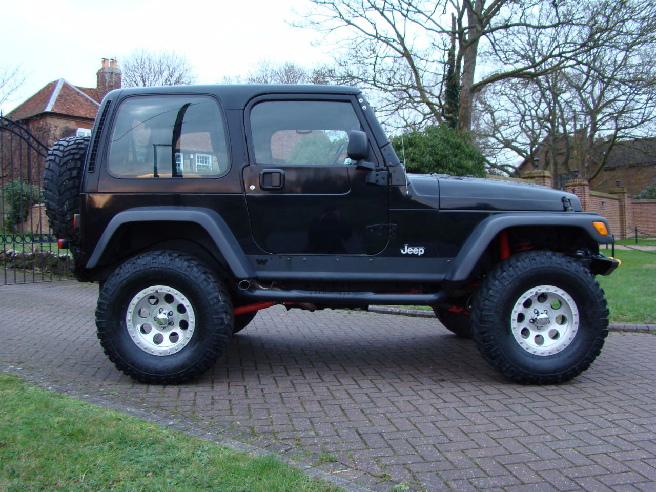 jeep wrangler 40 jamboree 2dr for sale in leighton buzzard bedfordshire claridges cars. Black Bedroom Furniture Sets. Home Design Ideas