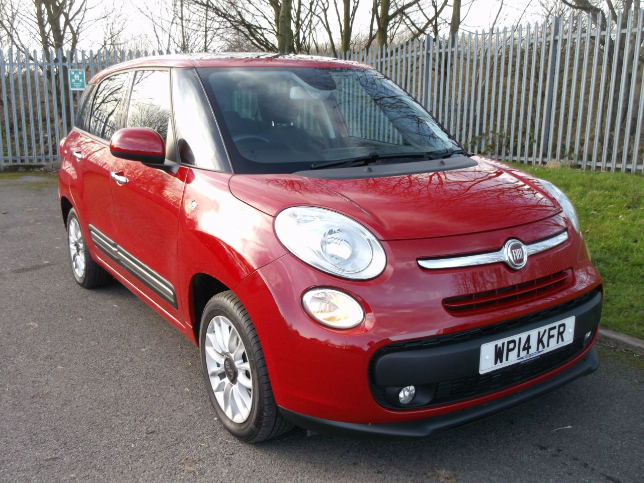 used fiat 500l mpw 1 6 multijet 105 lounge 5dr 7 seat for sale in consett durham bescol motors. Black Bedroom Furniture Sets. Home Design Ideas