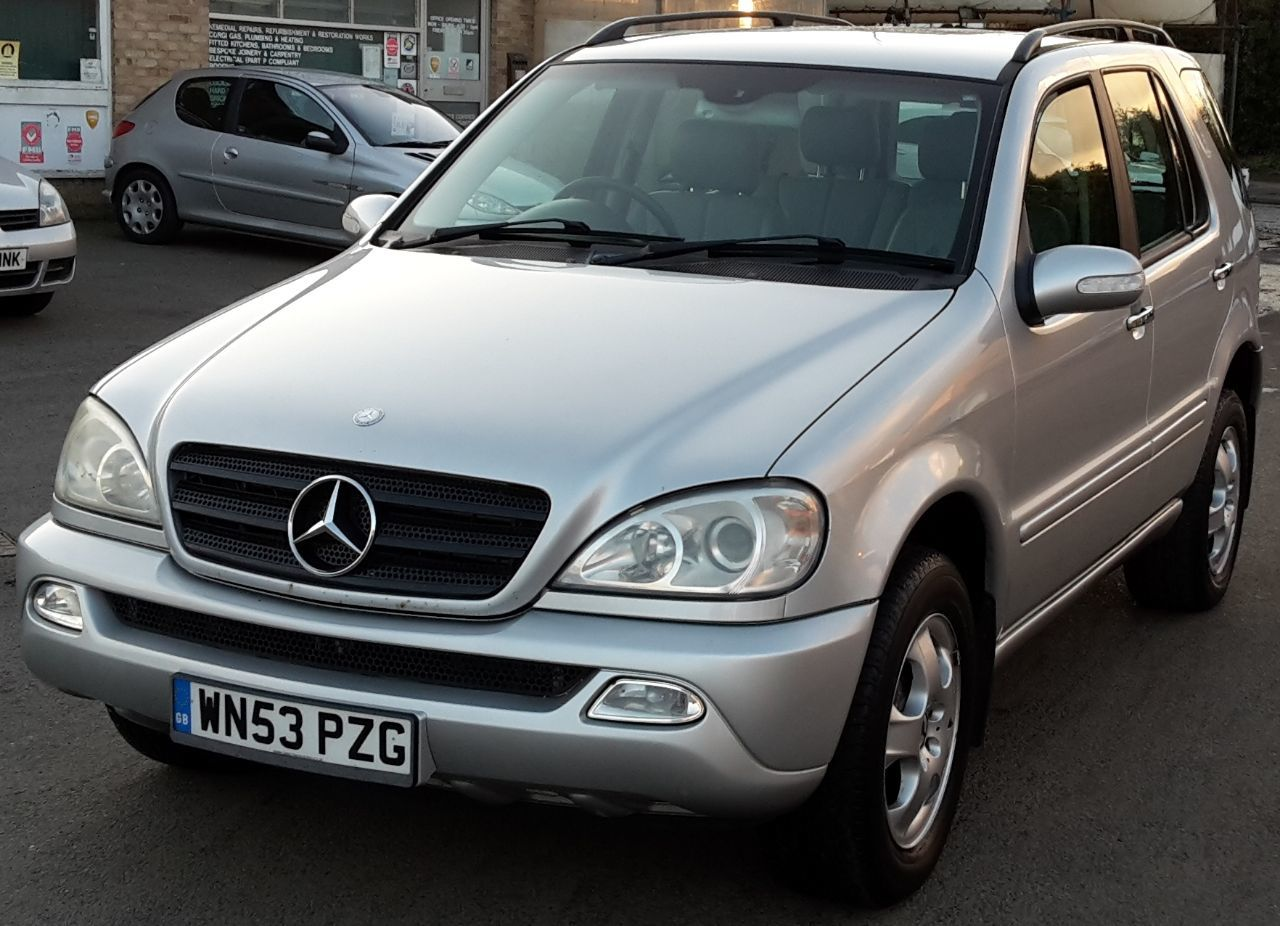 Mercedes-Benz ML Class 2.7 ML 270 CDI Estate Diesel Silver