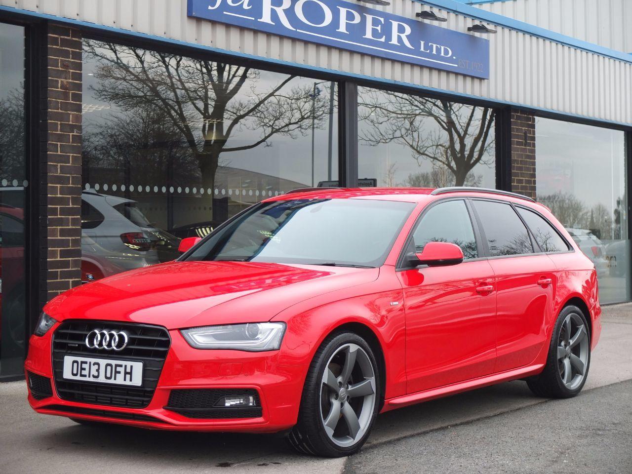 Audi A4 Avant 2.0 TDI 177ps quattro Black Edition Estate Diesel Misano Red Pearl