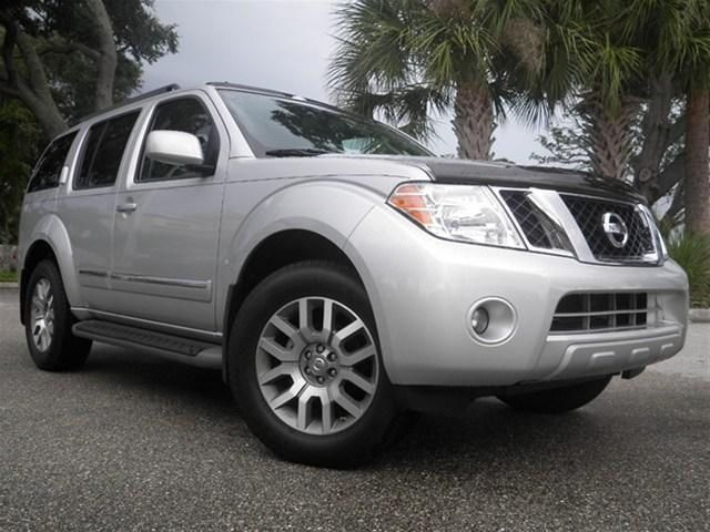 Nissan Pathfinder 4.0 280 TREND TOURNEO 9 STR Four Wheel Drive Petrol Silver