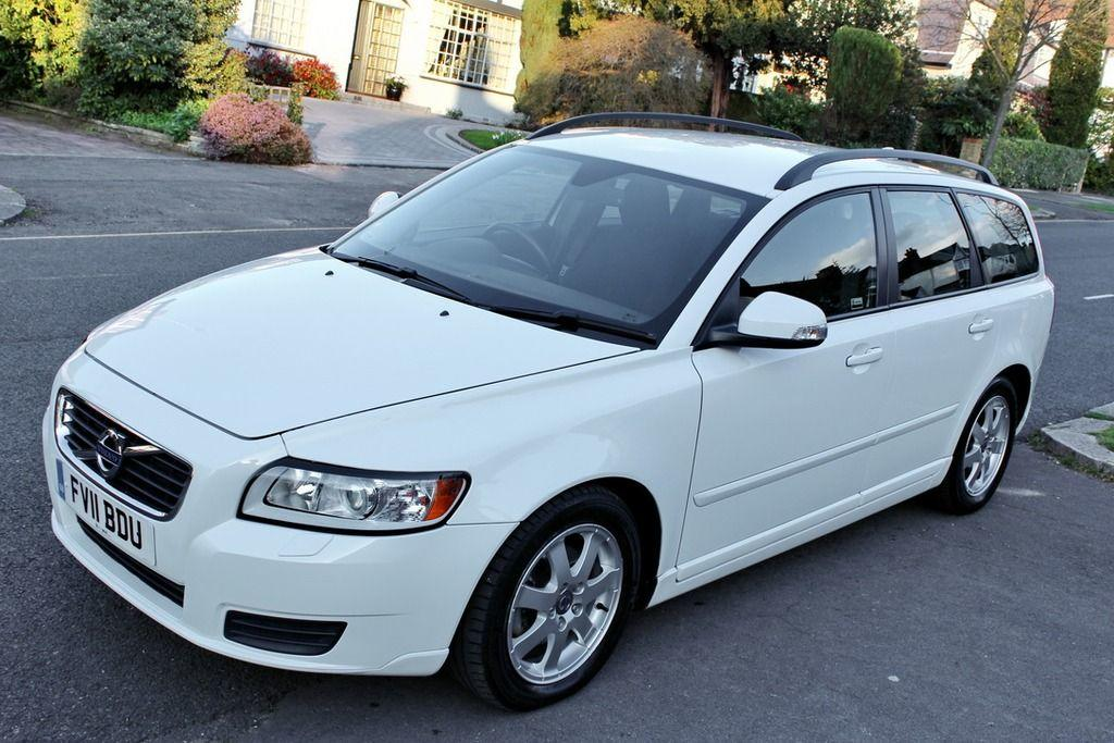 Volvo V50 1.6 D2 ES ESTATE DIESEL WHITE