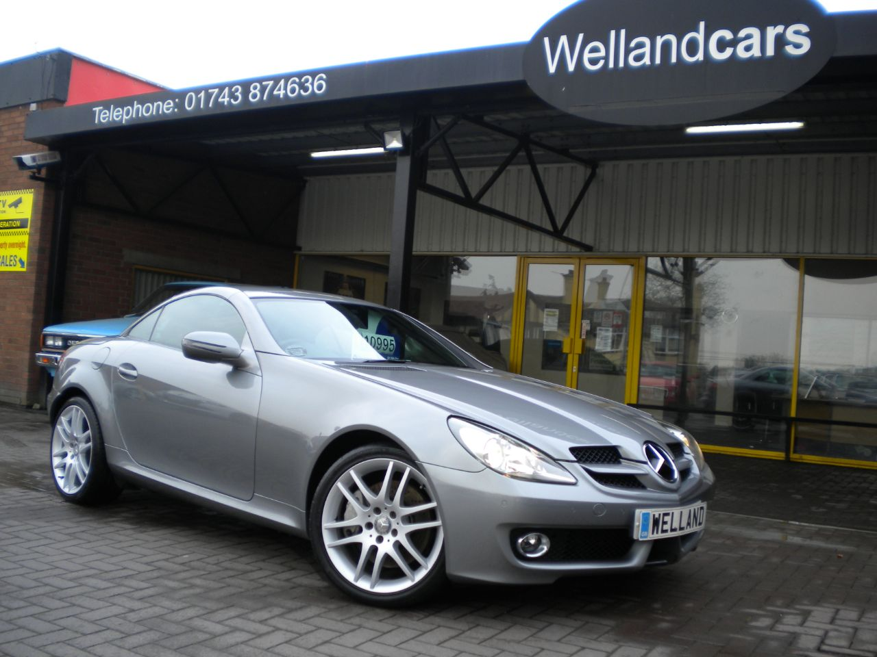 Mercedes-Benz SLK 3.5 SLK 350 2dr AMG Sports Pack, F/S/H,Full Leather,Memory,B/Tooth,AirScarf #15 MONTH WARRANTY INCLUDED Convertible Petrol Silver at Welland Cars Shrewsbury