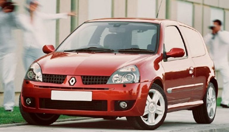 top 11 fun cars that cost less than 1 000 renault clio 172. Black Bedroom Furniture Sets. Home Design Ideas
