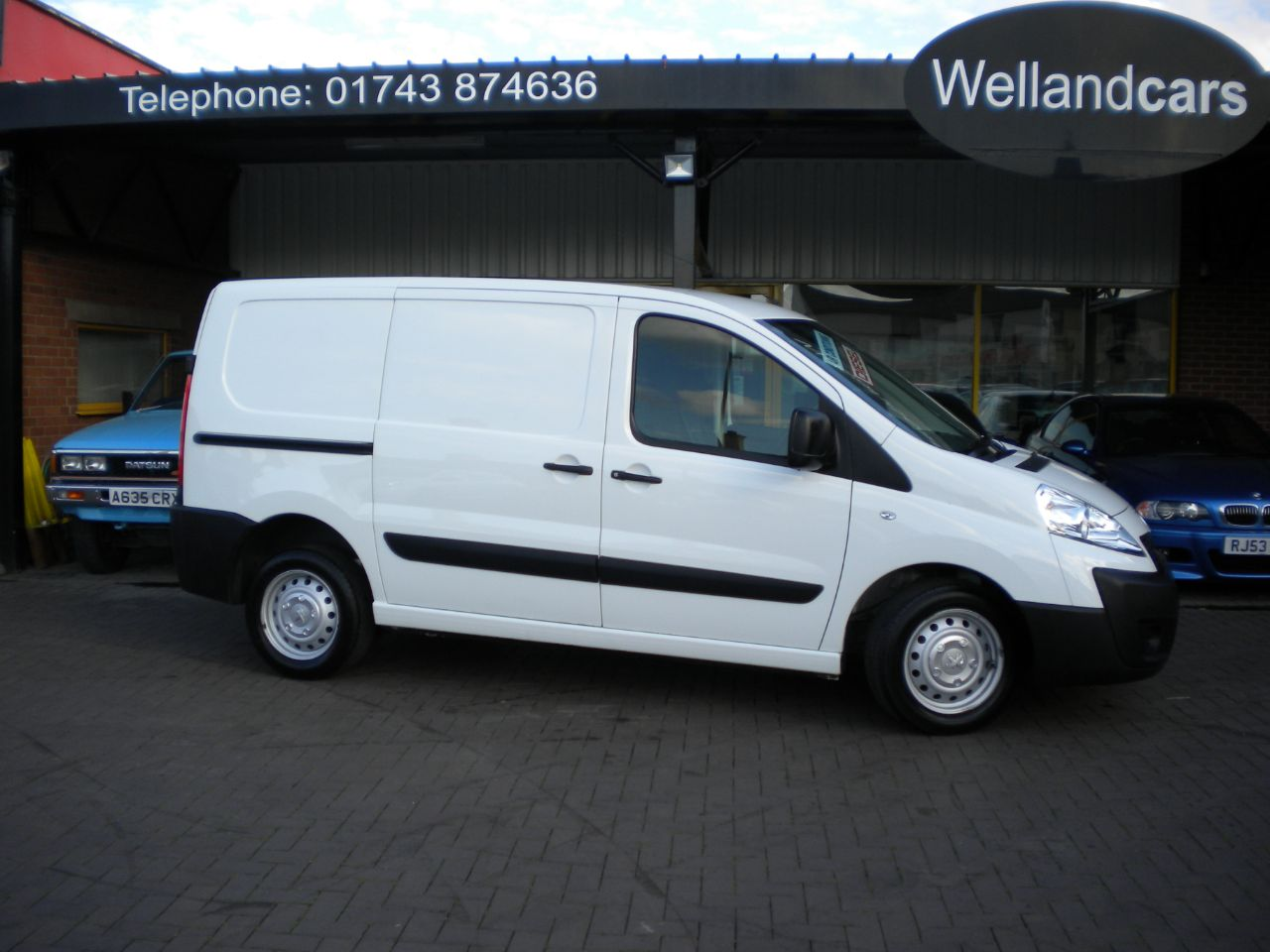 Peugeot Expert 1.6 1000 L1H1 Professional HDi Diesel Panel Van, twin Side Doors, F/S/H, Bluetooth, 1 Owner Commercial Diesel White at Welland Cars Shrewsbury