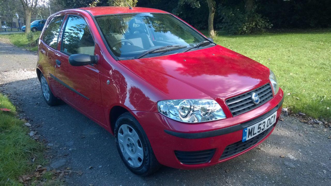 Fiat Punto 1.2 8V ACTIVE Hatchback Petrol Red
