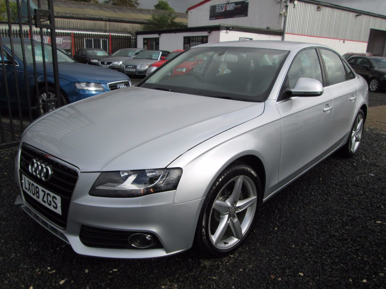 Audi A4 3.0 TDI QUATTRO SE 4dr + S LINE ALLOYS + SATNAV + LEATHER + FULL SERVICE HISTORY Saloon Diesel Silver