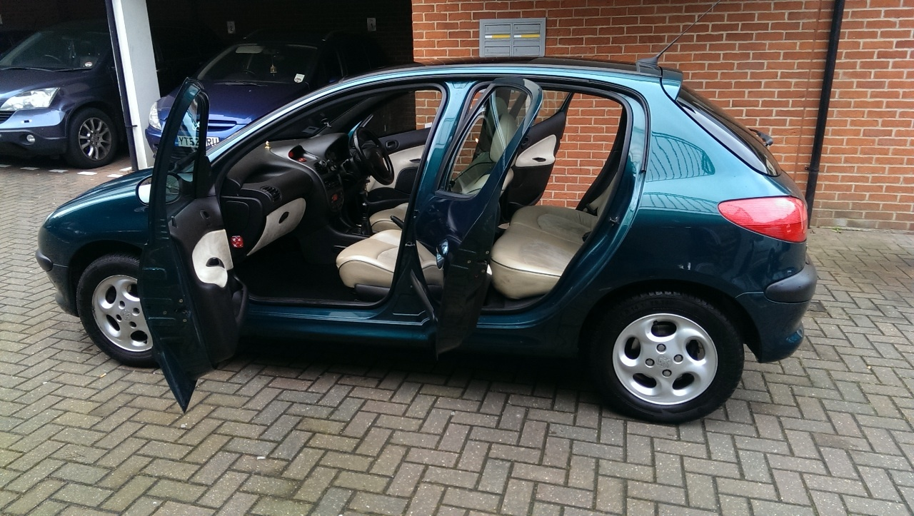 used peugeot 206 and second hand peugeot 206 in middlesex. Black Bedroom Furniture Sets. Home Design Ideas