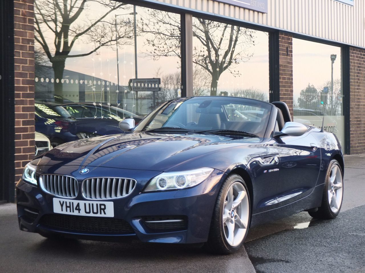 BMW Z4 3.0 35is sDrive DCT 340ps Convertible Petrol Deep Sea Blue Metallic