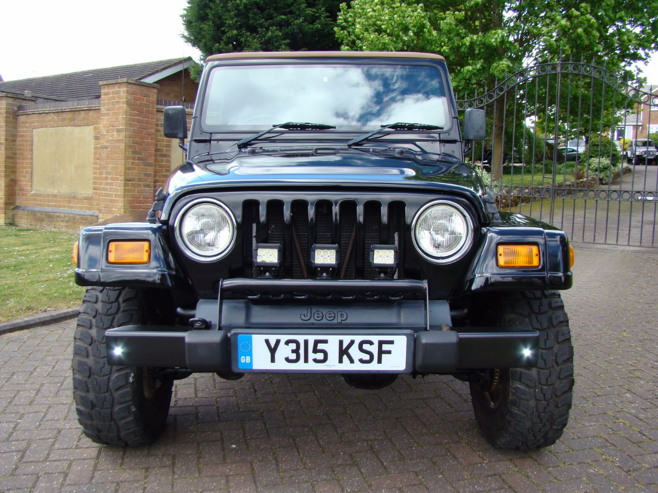2001 Jeep Wrangler 4.0L Sahara Soft Top