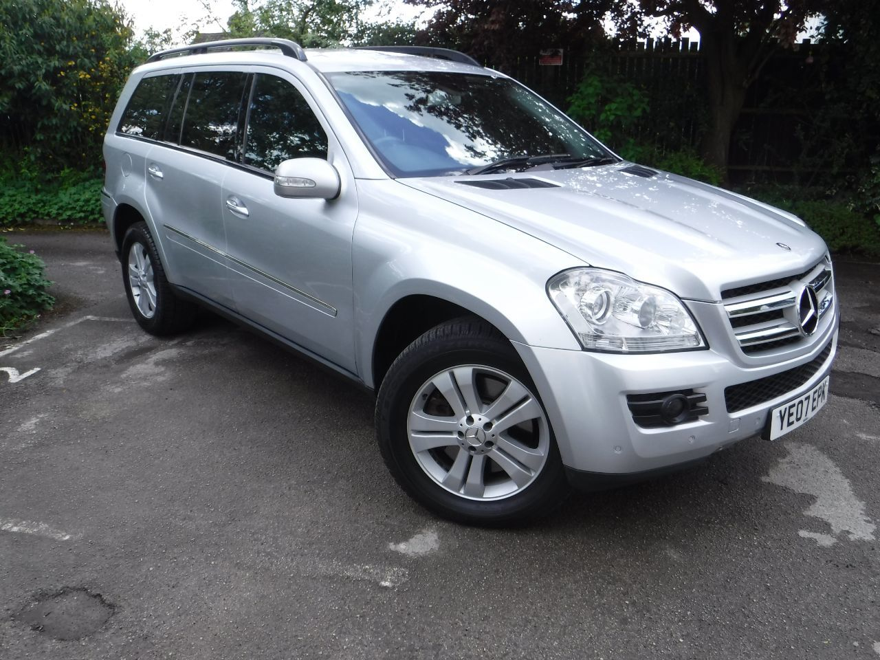 Used mercedes benz gl class cars second hand mercedes for Mercedes benz gl class diesel