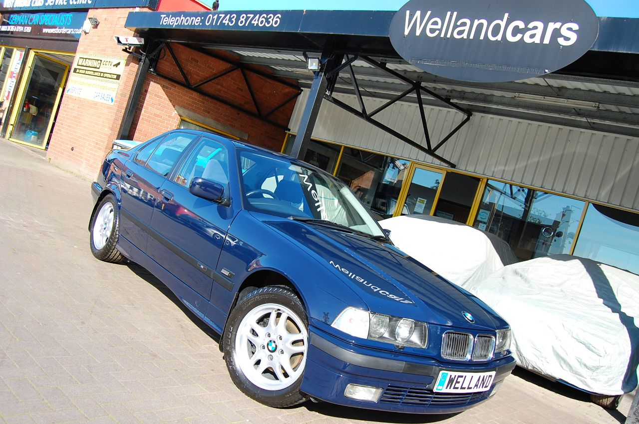 BMW 3 Series 2.5 325 TDS SE Auto,1 Doctor Owner and Only 22,000 Miles, Rare Collection Classic Saloon Diesel Dark Blue at Welland Cars Shrewsbury