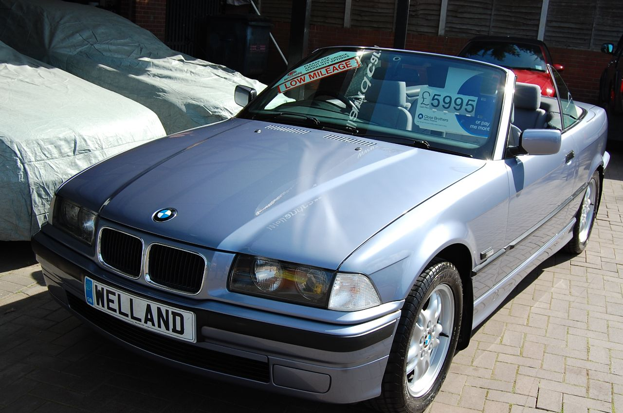 second hand bmw 3 series e36 318i convertible hardtop full documented bmw history immaculate. Black Bedroom Furniture Sets. Home Design Ideas