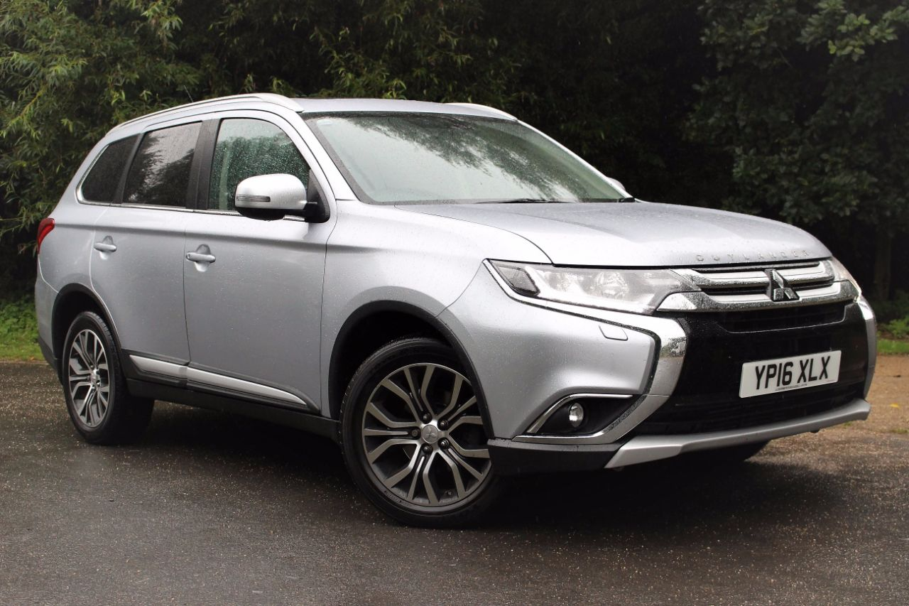 Second Hand Mitsubishi Shogun Hot Off The Press News About Mitsubishi S New Seven Seater Shogun