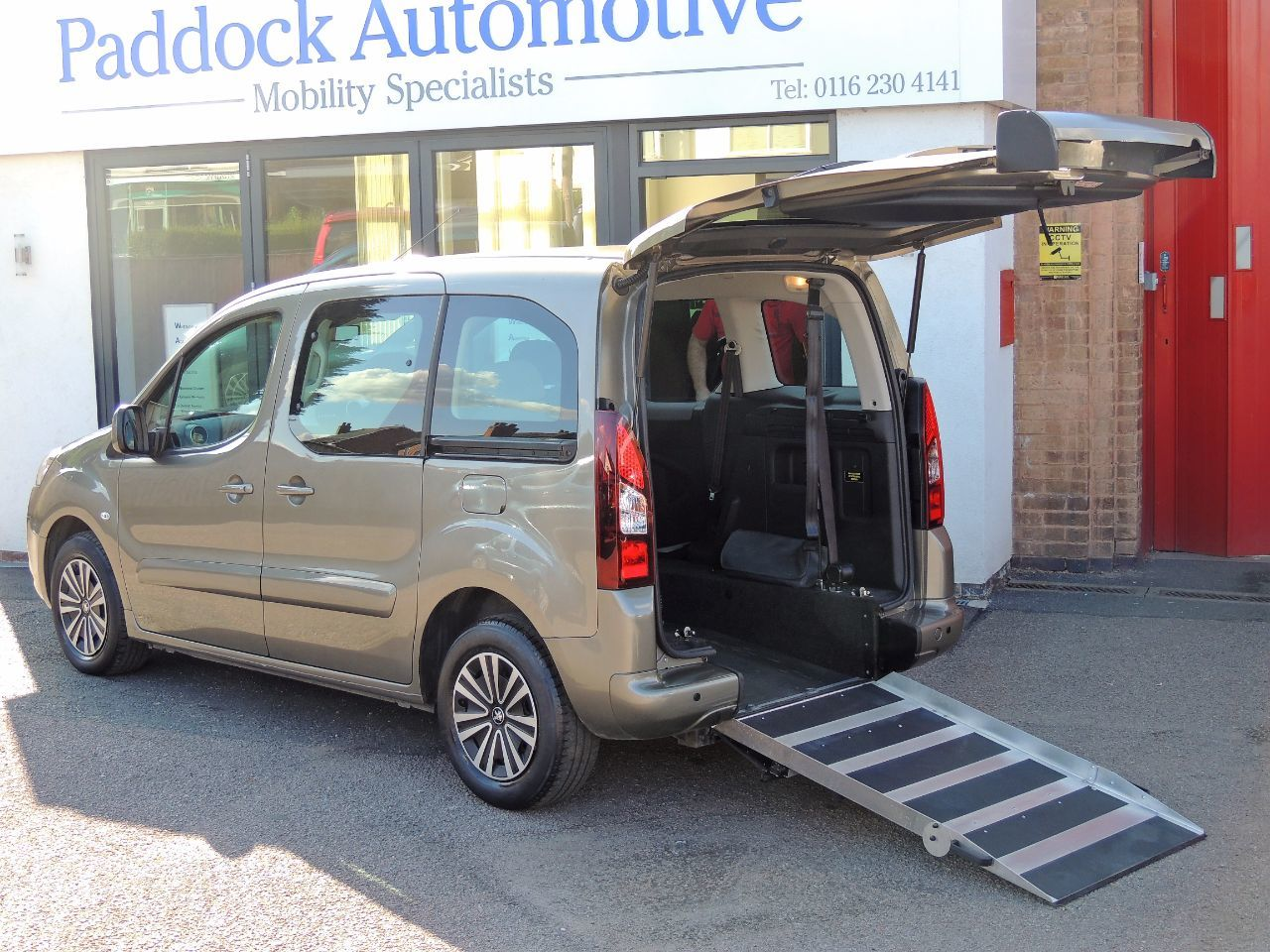 Peugeot Partner Tepee S 1.6 HDi Automatic Disabled Wheelchair Adapted Vehicle WAV Wheelchair Adapted Diesel Nocciola Bronze Mica