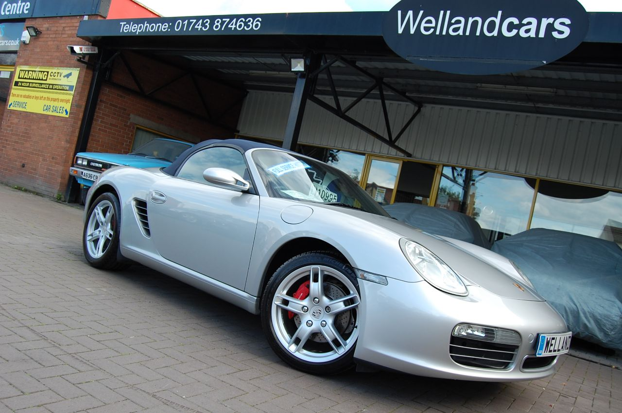 Porsche Boxster 3.2 S 2dr  (987) 3.2 - 6 Speed Manual, Lux Pack, F/S/H,Leather Convertible Petrol Arctic Silver at Welland Cars Shrewsbury
