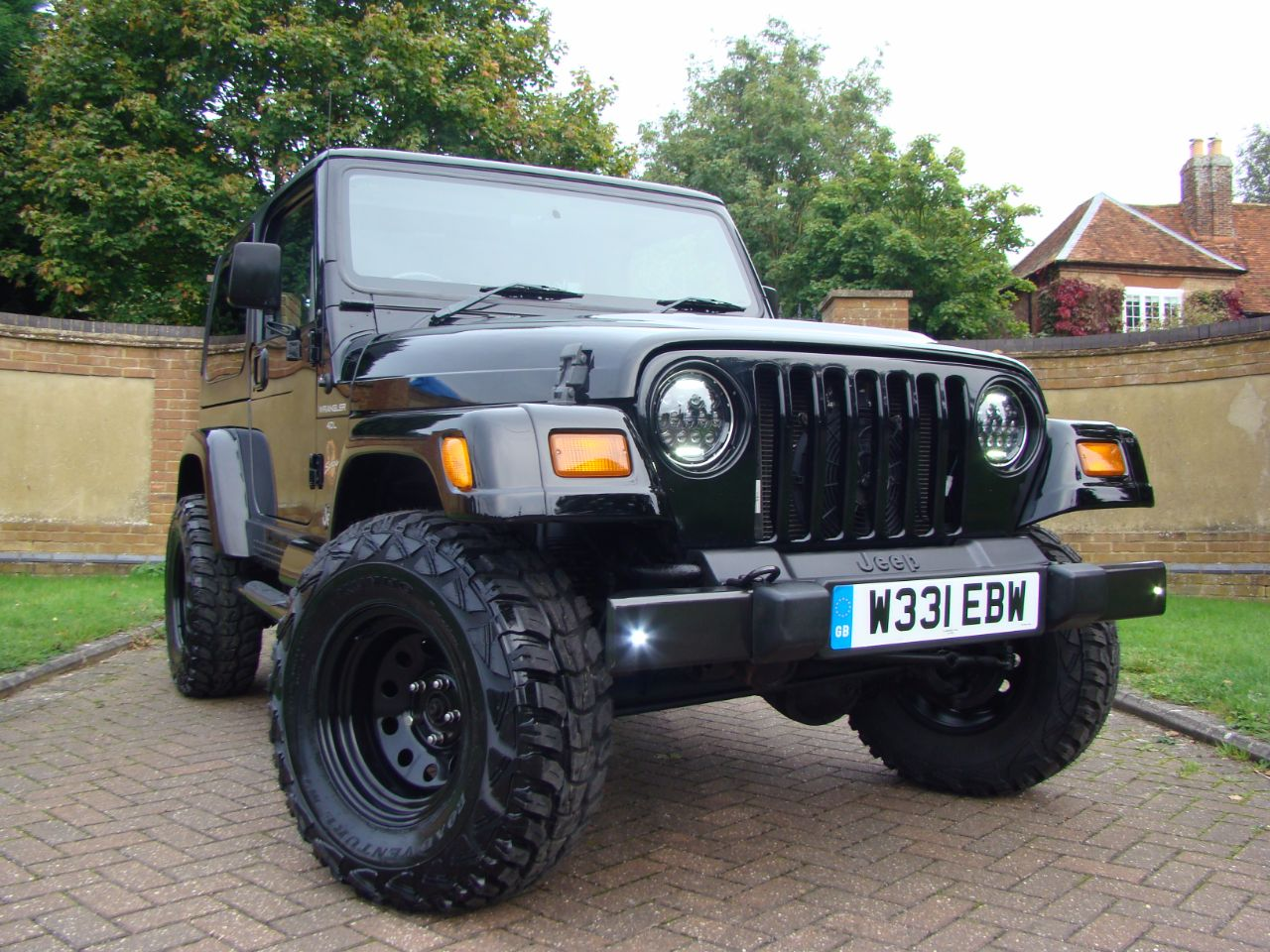 jeep wrangler 40 sahara 2dr for sale in leighton buzzard. Black Bedroom Furniture Sets. Home Design Ideas