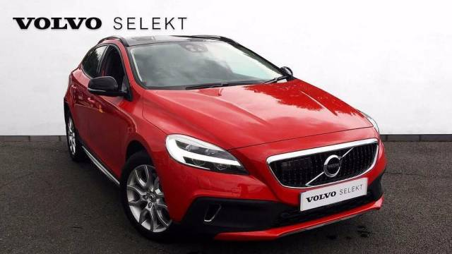 Volvo V40 Cross Country 2.0 V40 T5 Cross Country Pro Automatic  5dr Hatchback Petrol Red