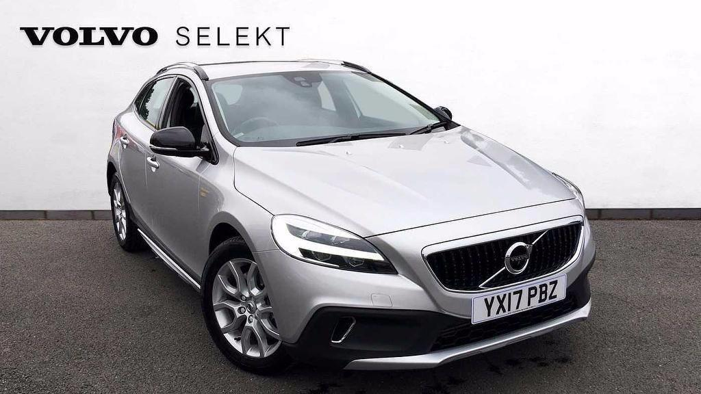 Volvo V40 2.0 D2 Cross Country Pro Nav  5dr Hatchback Diesel Silver