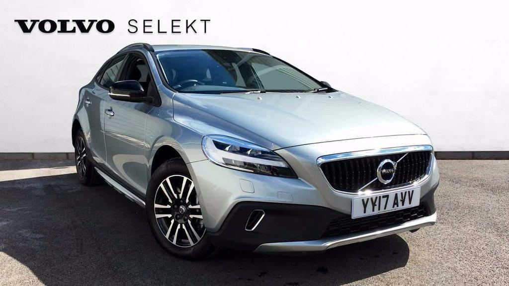 Volvo V40 2.0 D2 Cross Country Nav Plus  5dr Hatchback Diesel Silver