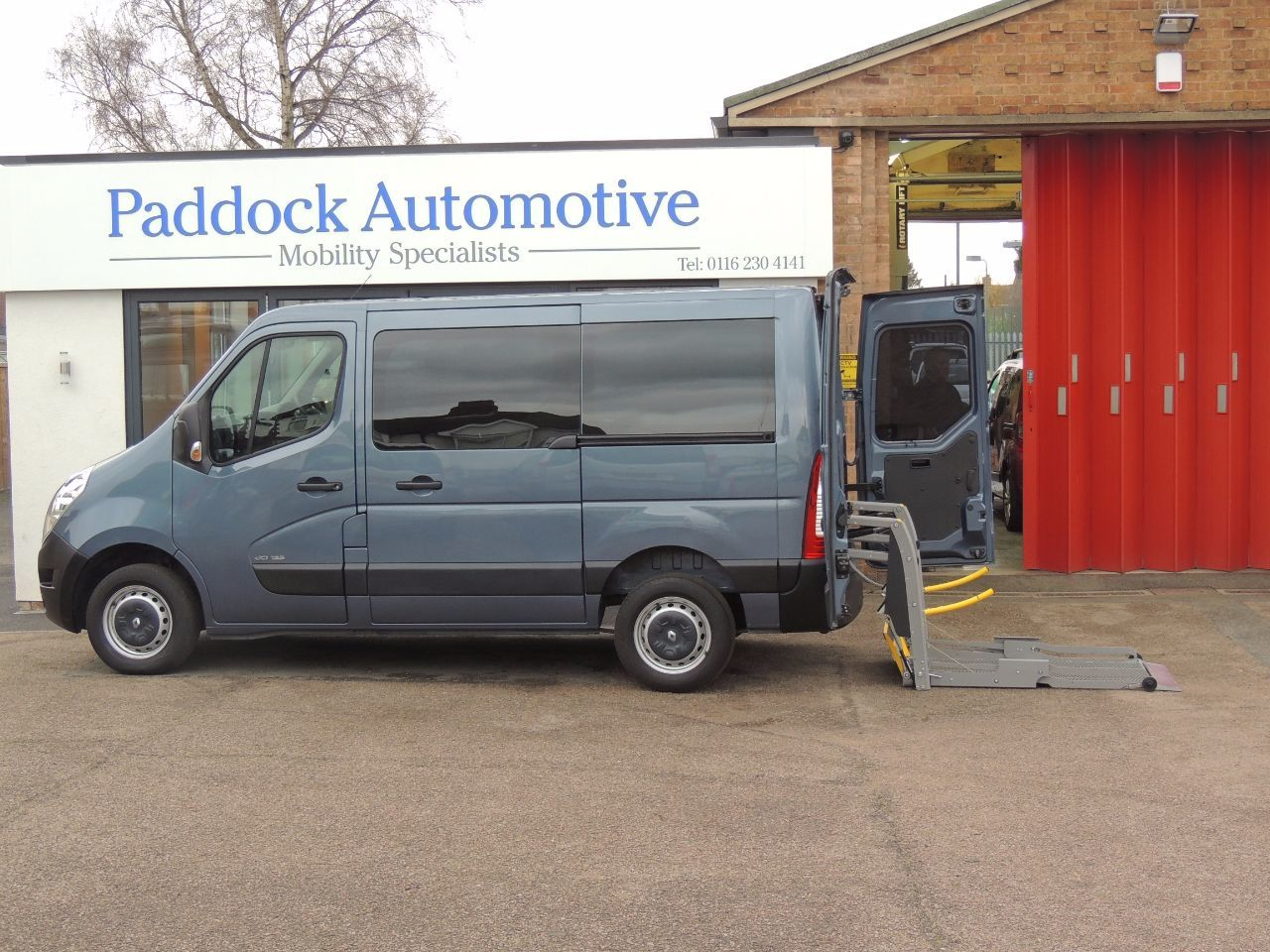 Renault Master 2.3 SL30dCi Automatic Wheelchair Adapted Disabled Vehicle WAV Wheelchair Adapted Diesel Blue Mica