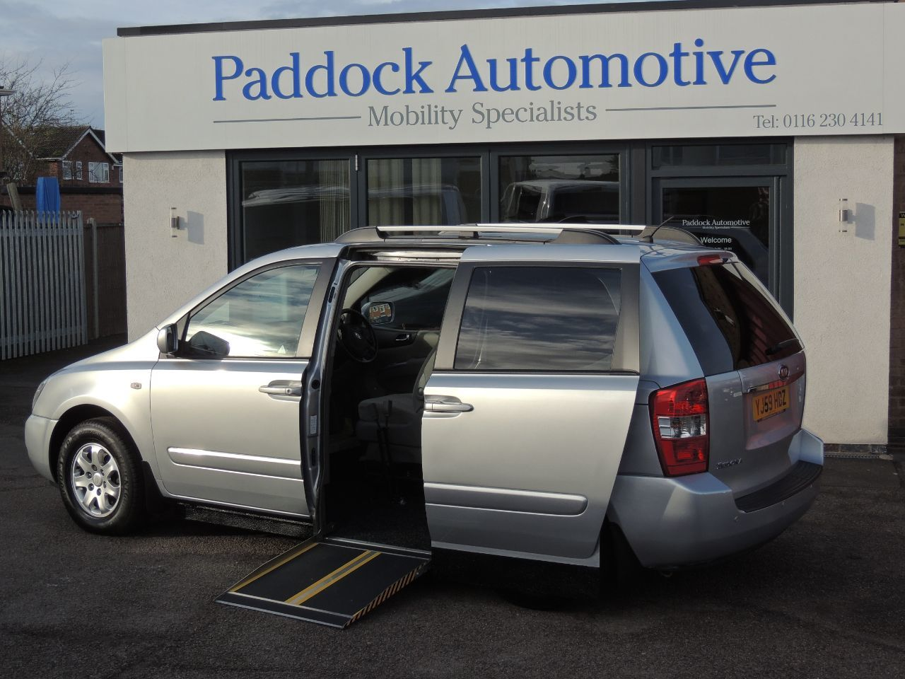 Kia Sedona Sedona 2.9 Side Entry Automatic Disabled Wheelchair Adapted Vehicle WAV Wheelchair Adapted Diesel Silver Mica