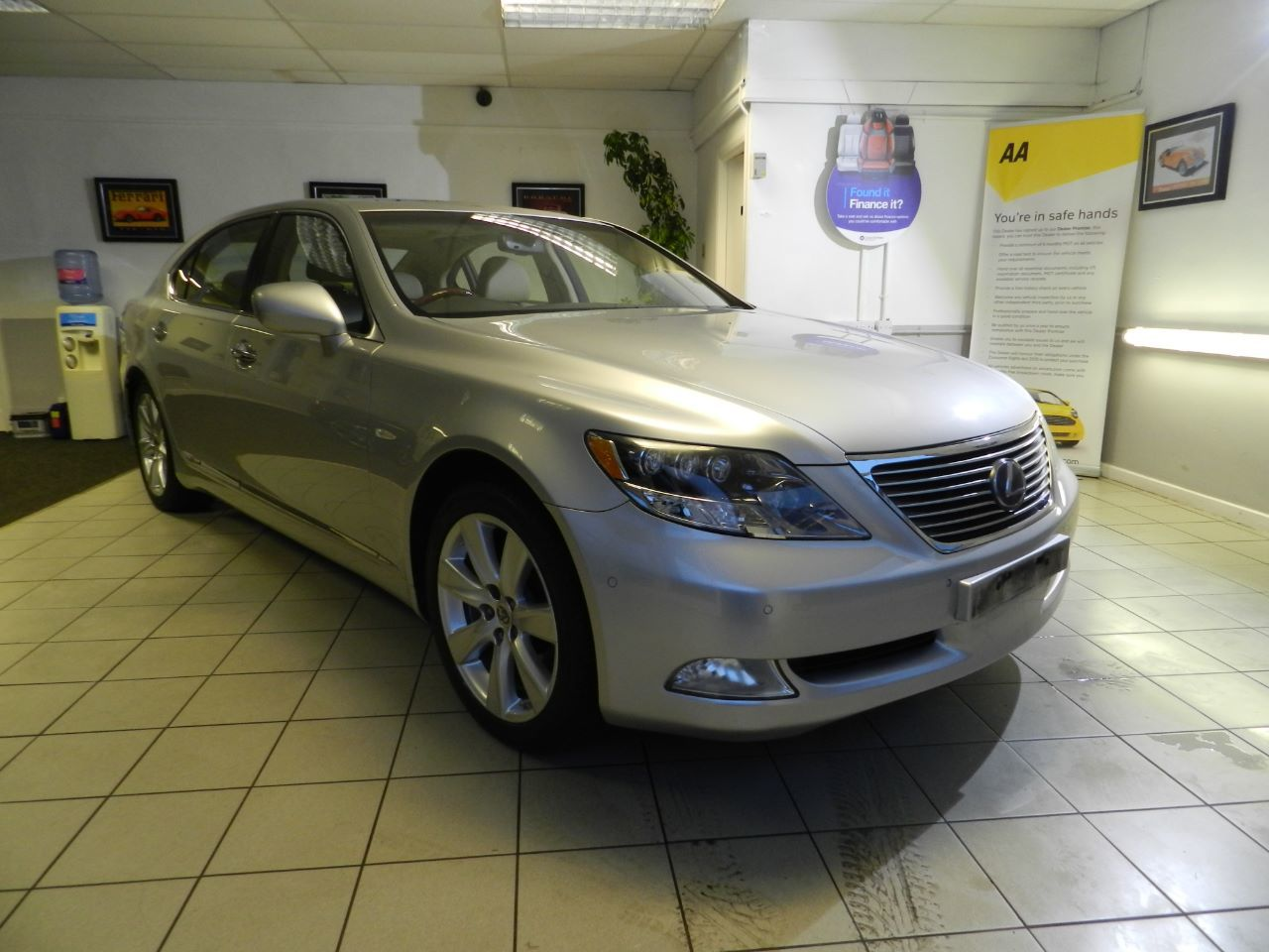 Lexus LS 600h L 5.0 4dr CVT Auto [Rear Relaxation Pack] Saloon Petrol / Electric Hybrid Silver Metallic