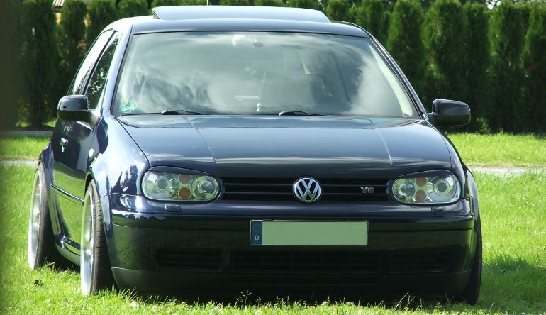 top 12 hot hatches from the 90s volkswagen golf 2 8 v6 4motion. Black Bedroom Furniture Sets. Home Design Ideas