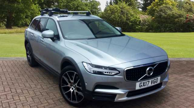 Volvo V90 2.0 D5 AWD Cross Country, Xenium Pack, Intellisafe Surround, Bowers & Wilkins Sound Estate Diesel Silver