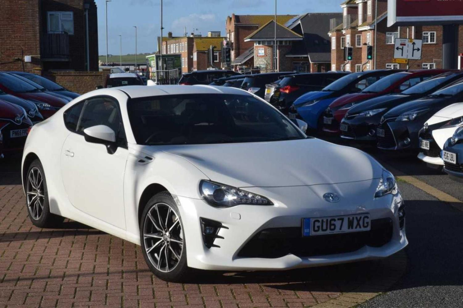 Toyota Gt86 2.0 PRO Coupe Petrol white