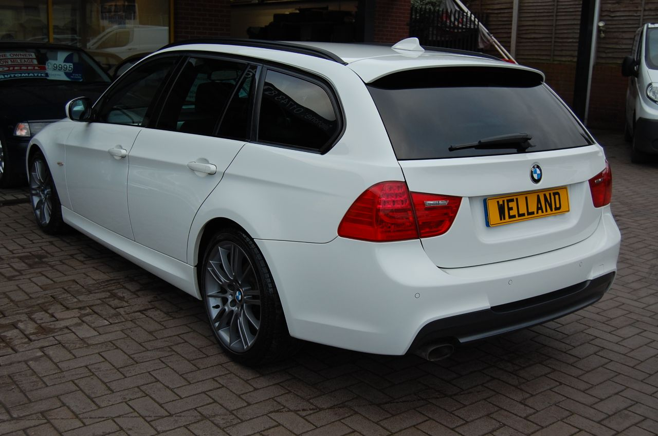 2011 BMW 3 Series 2.0 318d Sport Plus Edition 5dr Alpine White with Black Nappa Blue stitched Leather interior.