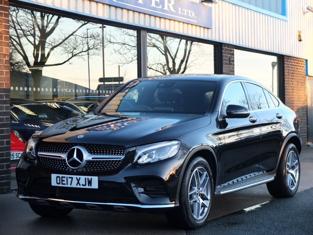 Mercedes-Benz Glc-coupe 3.0 350d 4Matic AMG Line Premium Plus 9G-Tronic Coupe Diesel Obsidian Black Metallic