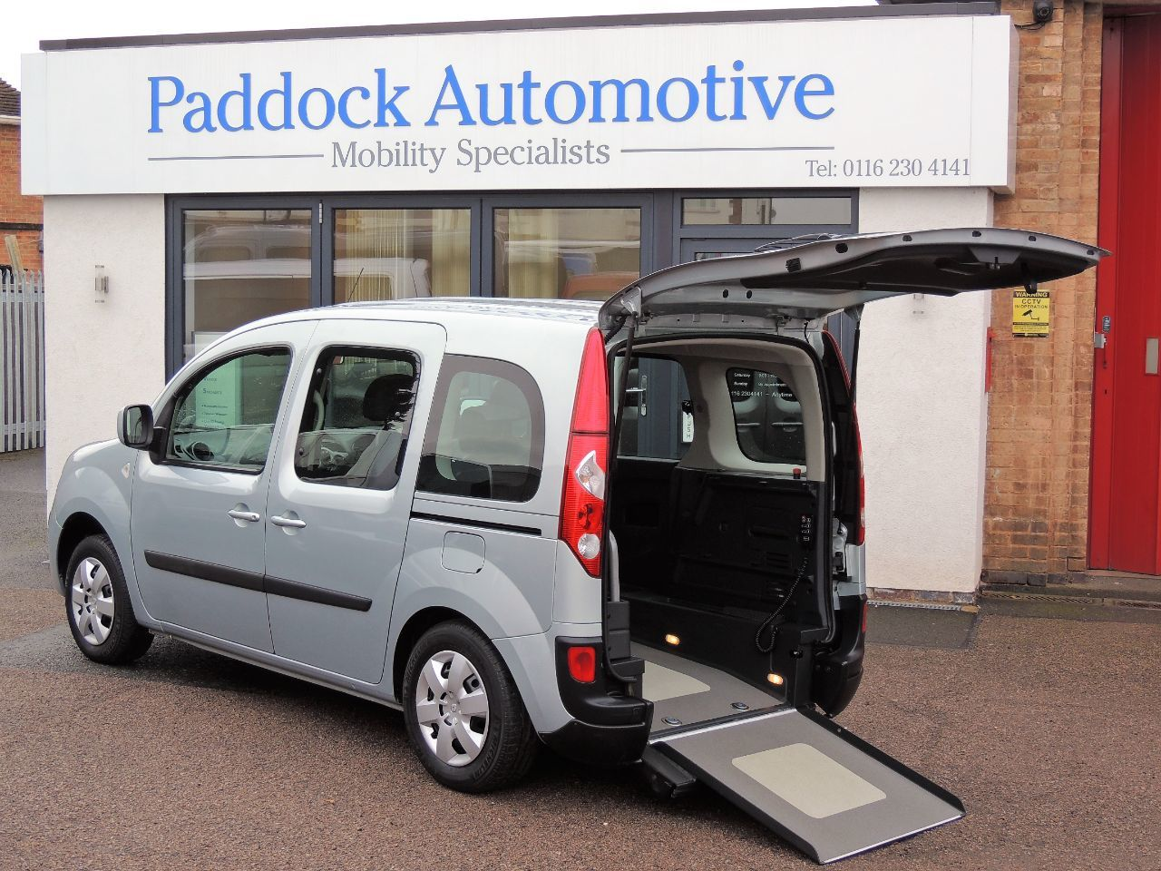 Renault Kangoo 1.6 Expression 5dr Auto [AC] Wheelchair Adapted Petrol Silver Mica