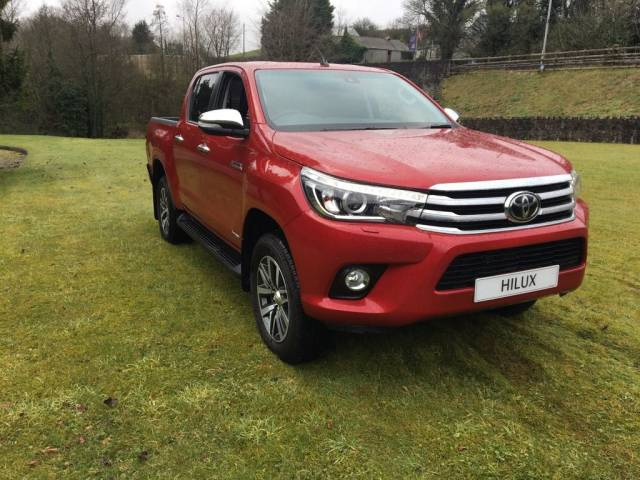 Toyota Hilux 2.4 D4D Invincible 4WD 6 speed Pick Up Diesel Crimson Spark
