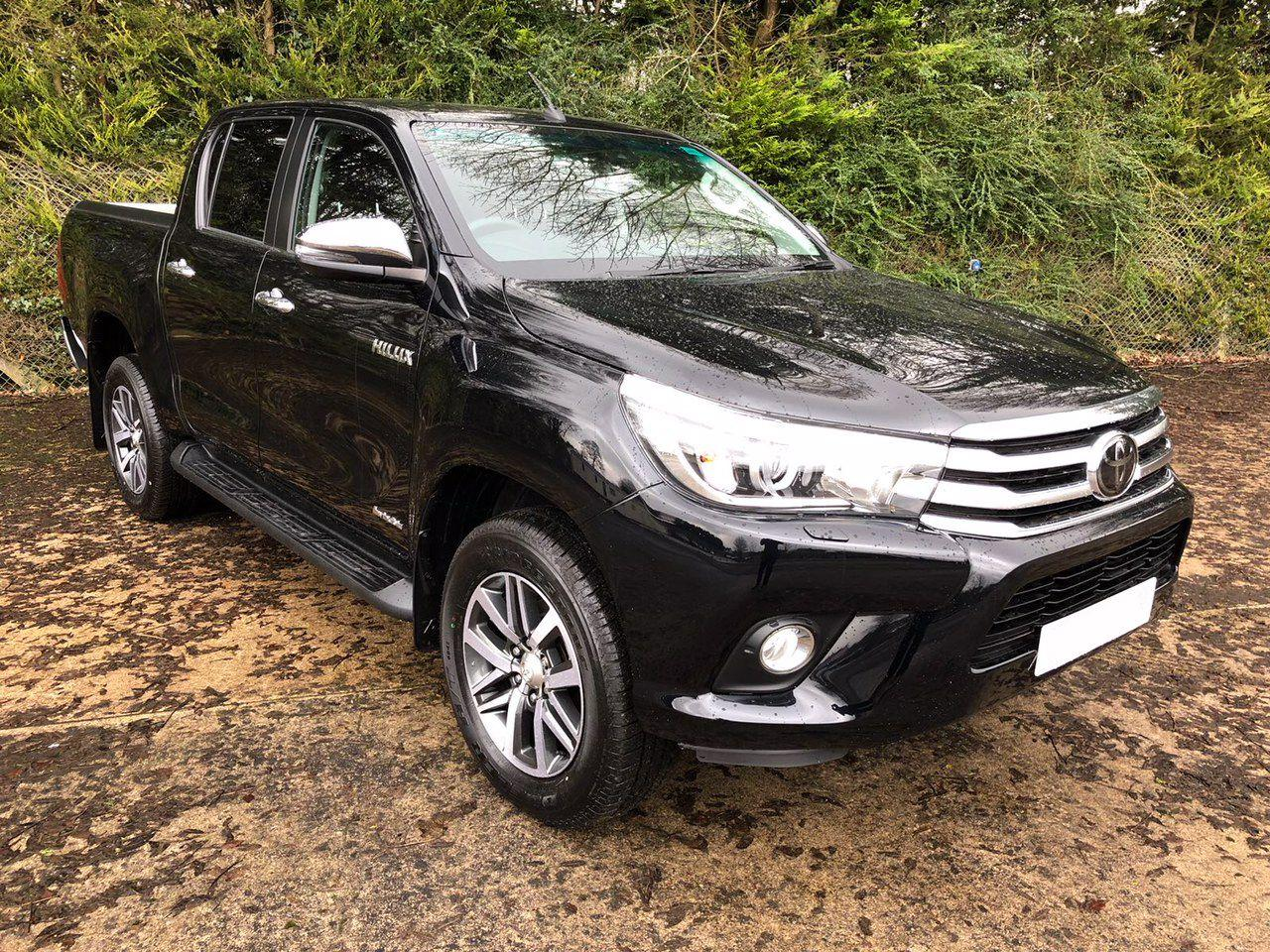 Toyota Hilux 2.4 D4D Invincible Auto Pick Up Diesel Metallic Black