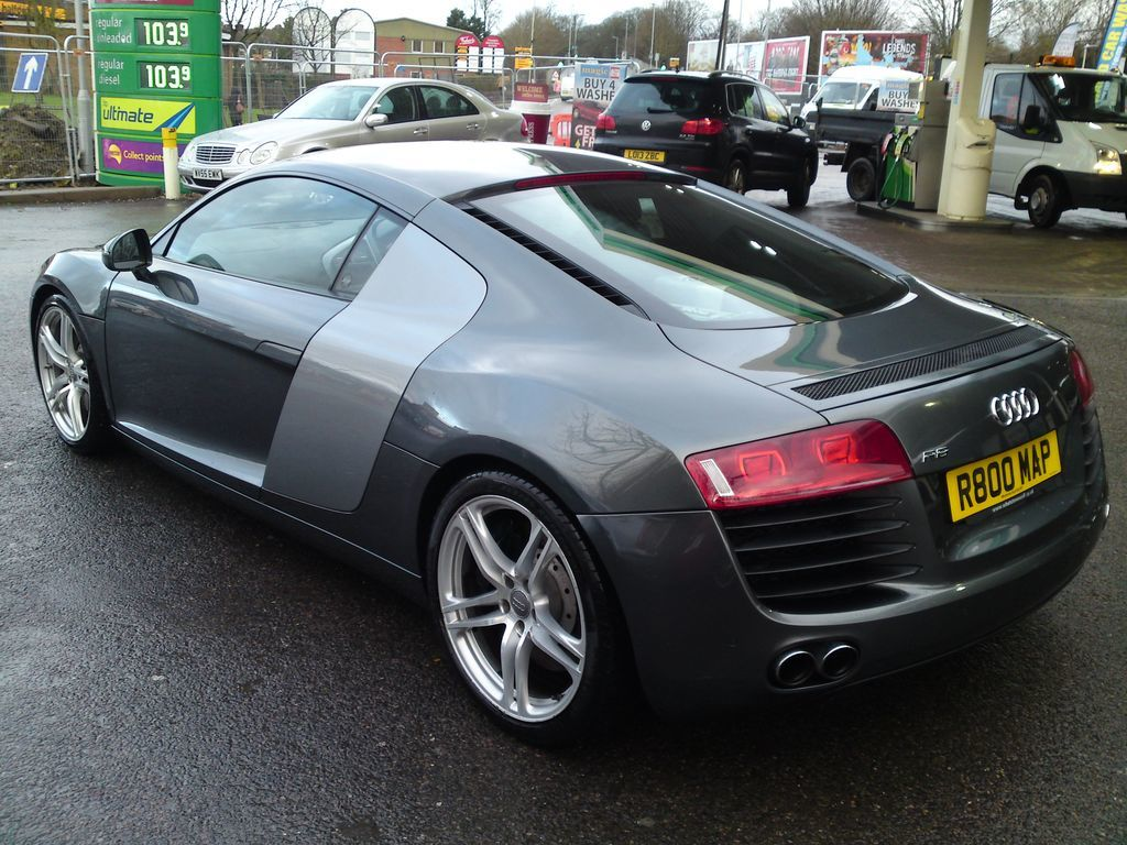 used audi r8 and second hand audi r8 in hertfordshire. Black Bedroom Furniture Sets. Home Design Ideas