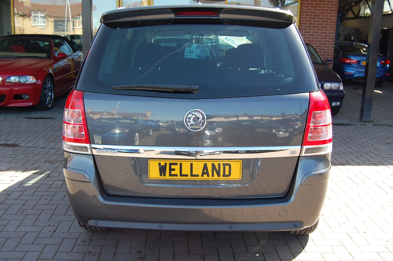 2011 Vauxhall Zafira 1.8i SRi 5dr 7 Seater  Cd Stereo system  Hands Free Phone Kit