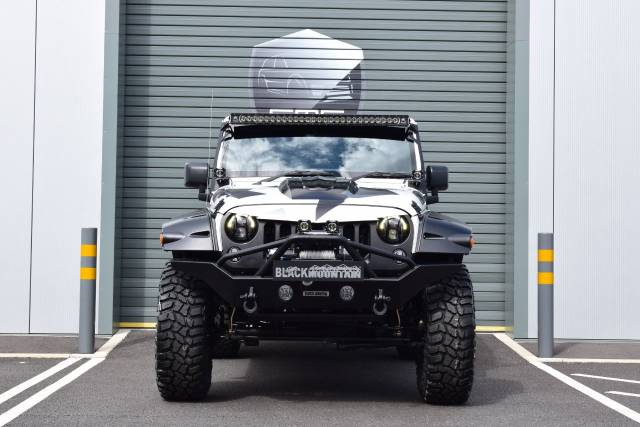 Jeep Wrangler 3.6 V6 Overland 4dr Auto Black Mountain Convertible Petrol White