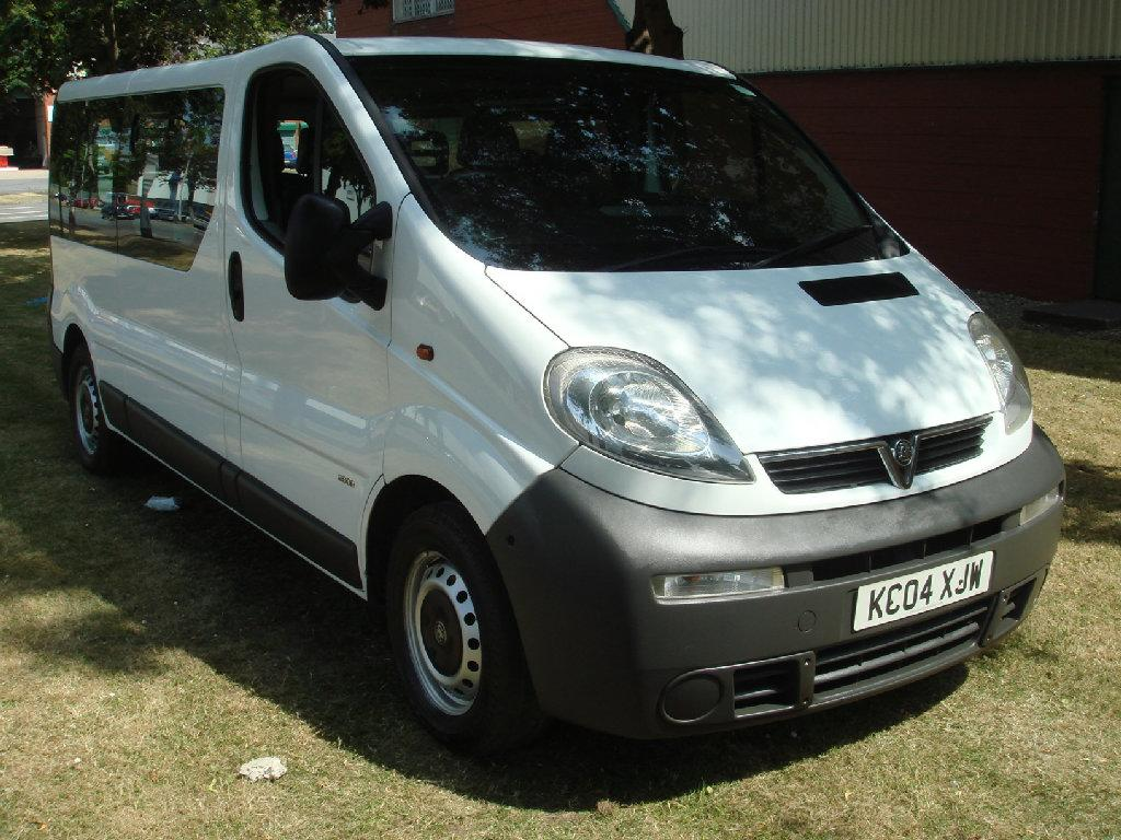 Vauxhall Vivaro 2.5 One owner low mileage Commercial Diesel White
