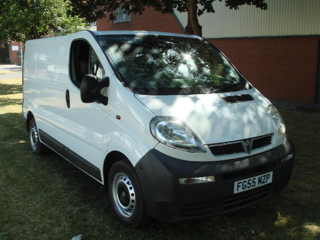 Vauxhall Vivaro 1.9DTi Van 2.7t Excellent original condition Commercial Diesel White