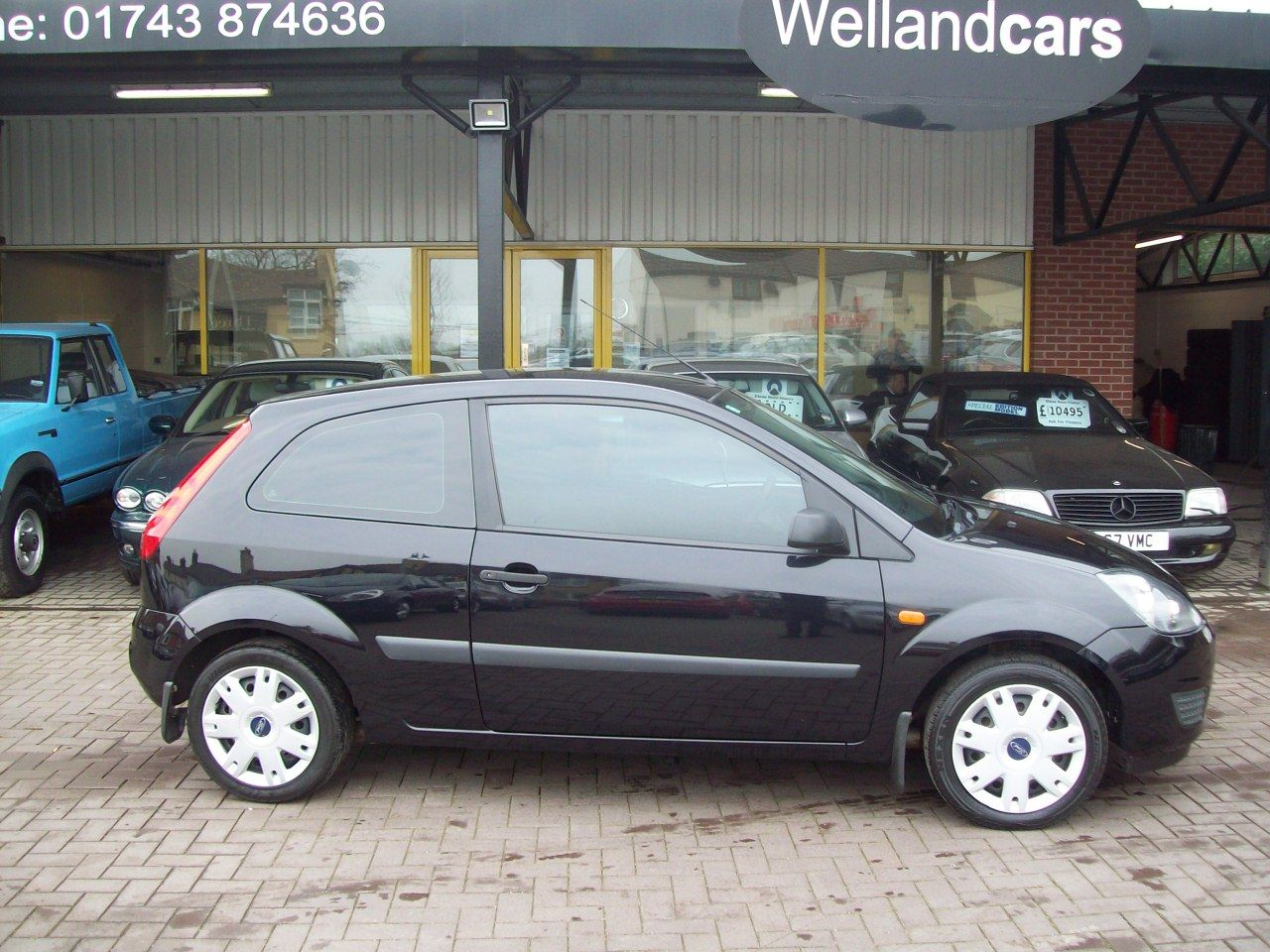 Ford Fiesta 1.25 Style 3dr Climate, A/C, 5 Speed Manual, 1 Previous Owner, F/S/H Hatchback Petrol Metallic Black at Welland Cars Shrewsbury