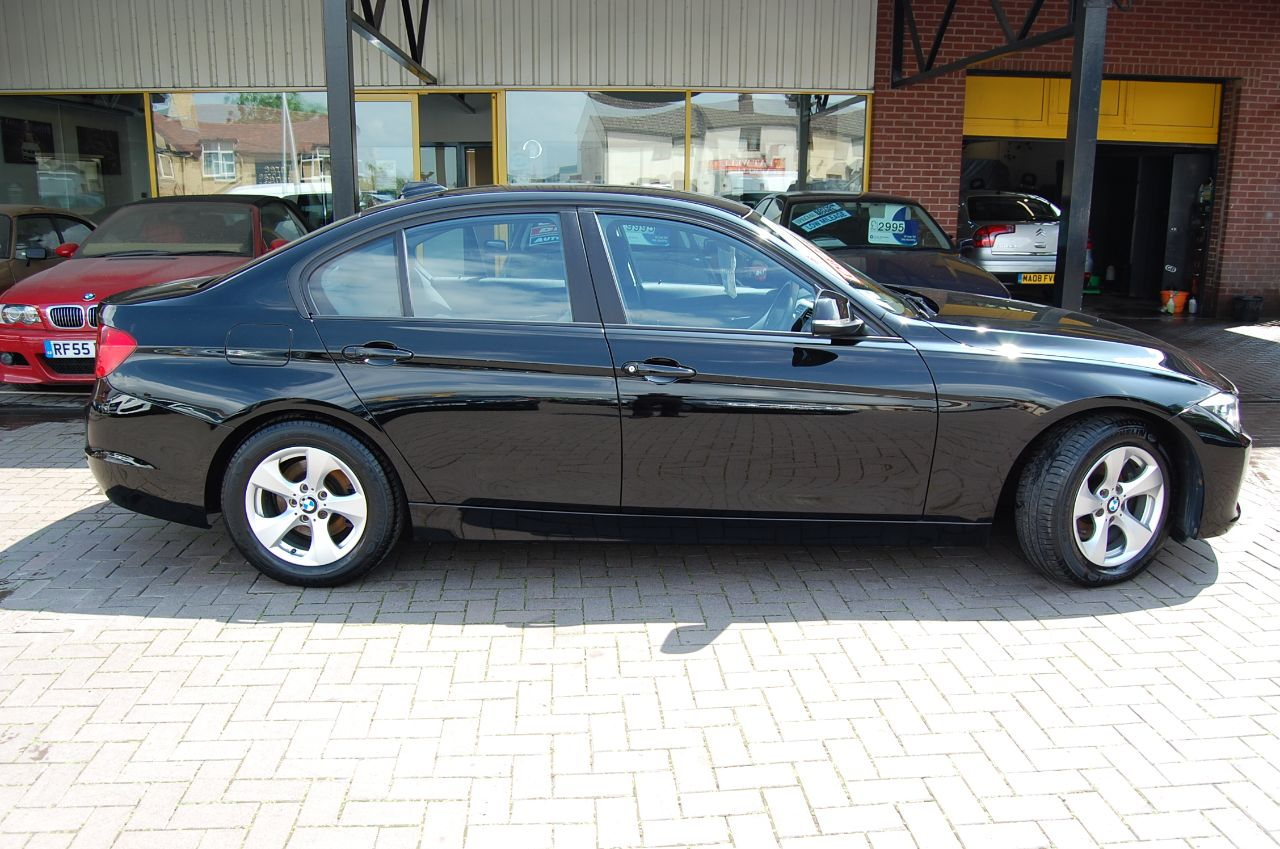 2012 BMW 3 Series 2.0 320d EfficientDynamics 4dr  FULL HISTORY, ECONOMICAL, CHEAP TAX ! FINANCE THIS VEHICLE TODAY