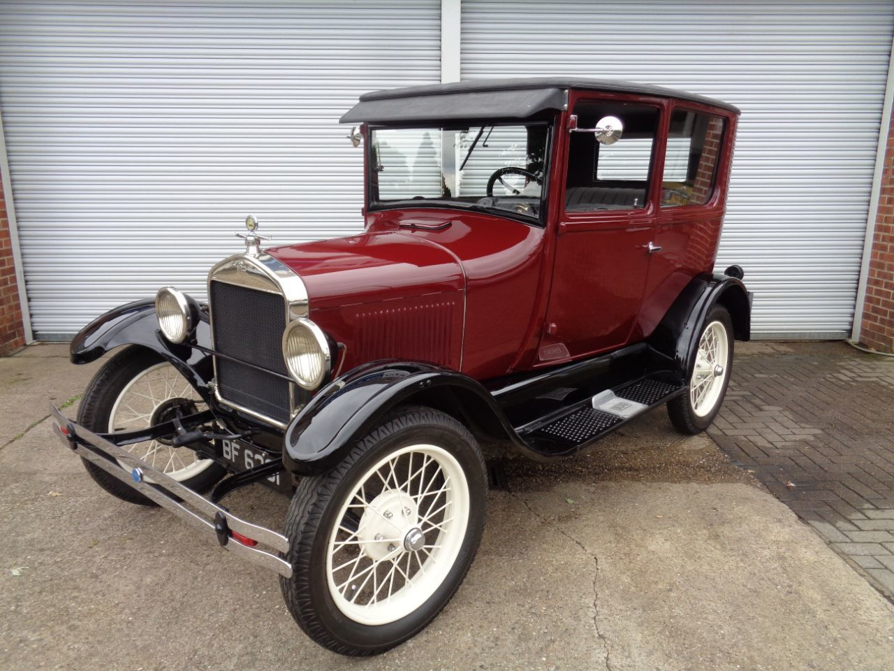Ford Model T 2.9 Tudor Saloon Petrol Maroon/black